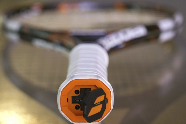 La Babolat Play utilisedes capteurs situés à l'intérieur... (PHOTO JOEL SAGET, AFP)