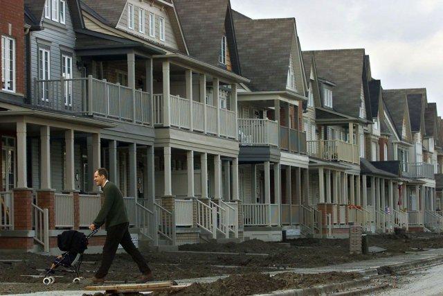 Les taux hypothécaires à taux fixe à long terme pourraient bientôt constituer... (PHOTO LA PRESSE CANADIENNE)