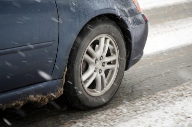 Même si les automobilistes auront la permission légale d'enlever les pneus... (Alain Dion)