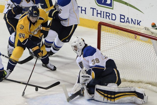 Ryan Miller (39) a stoppé 30 lancers devant... (PHOTO MARK ZALESKI, AP)