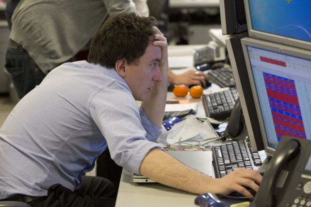 Deux gourous de la Bourse prévoient des chutes... (PHOTO NEIL HALL, REUTERS)