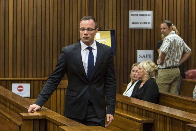Oscar Pistorius, 27 ans, prétend qu'il a tué... (PHOTO DANIEL BORN, REUTERS)