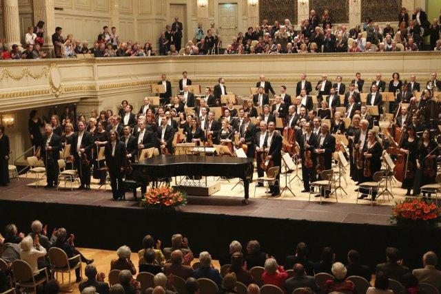 Kent Nagano arrive dans la majestueuse salle de concert de Zurich en jeans.... (Photo: fournie par l'OSM)