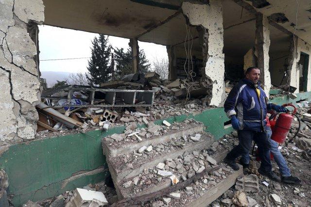 Le Liban est profondément divisé sur le conflit... (PHOTO OMAR IBRAHIM, REUTERS)