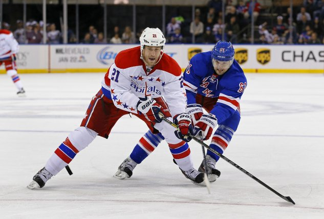 L'attaquant des Capitals de Washington Brooks Laich devrait rater le reste de... (Photo Adam Hunger, USA Today Sports)