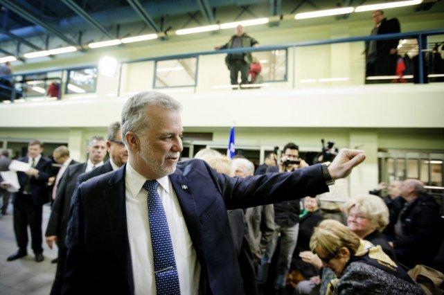 Les libéraux menés par Philippe Couillard sont en... (Photothèque Le Soleil)