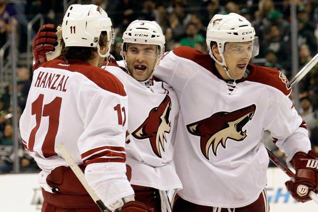 Les Coyotes de Phoenix ont défait les Kings... (Photo Reed Saxon, AP)