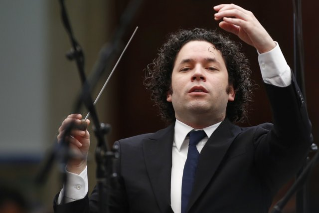 Gustavo Dudamel dirige le Los Angeles Philharmonic jeudi... (Photo: archives Reuters)