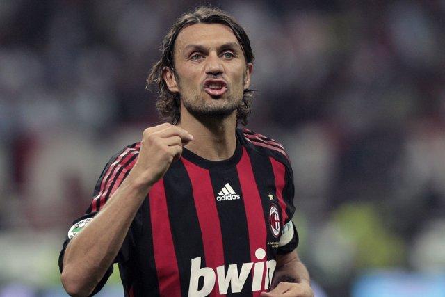 L'ancien défenseur de l'AC Milan, Paolo Maldini.... (Photo Emilio Andreoli, archives AFP)