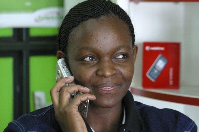 Vodafone est l'un des opérateurss'étant engagés à fournir... (Photo Noor Khamis, REUTERS)