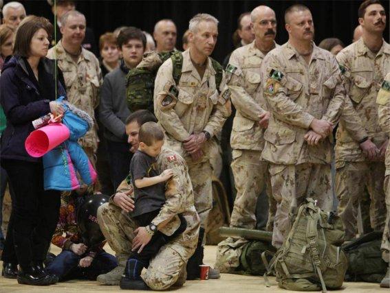 La mission canadienne aura coûté entre 12 et... (PHOTO COLE BURSTON, AGENCE FRANCE-PRESSE)