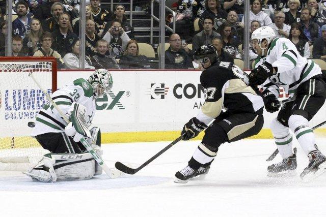 Sidney Crosby a marqué ses 32e et 33e buts de la saison en plus d'ajouter une... (Photo: Reuters)
