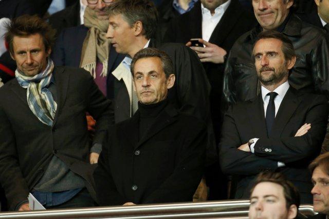 Nicolas Sarkozy (au centre), au Parc des Princes,... (PHOTO BENOIT TESSIER, REUTERS)