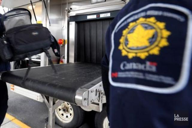 Un nouveau rapport interne révèle que l'Agence des services frontaliers du... (Photo Archives La Presse)