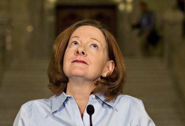 Mme Redford a démissionné, après une série de... (La Presse Canadienne)