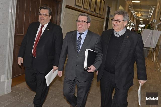 Les maires Coderre et Labeaume demandent rien de... (Photo Patrice Laroche, Le Soleil)