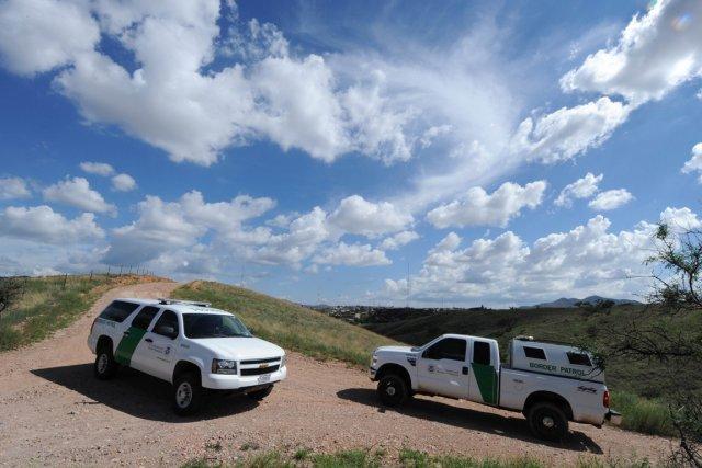 Des voitures de la patrouille américaine à la... (Photo Mark Ralston, archives AFP)