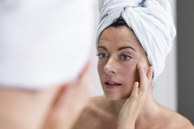 Pour restaurer sa peau malmenée par l'hiver, on... (Photo Digital/Thinkstock)