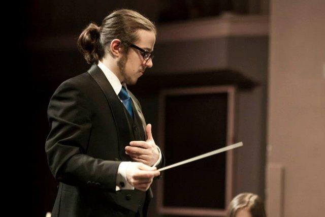 Le chef d'orchestreMaximilien Brisson.... (PHOTO Jonathan Goulet)