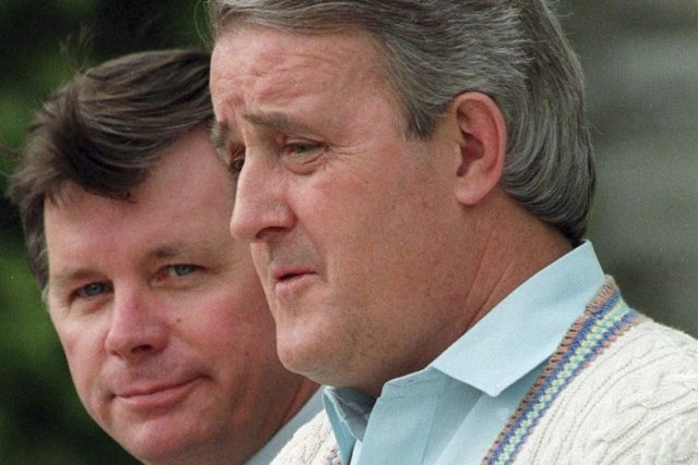 Brian Mulroney et le premier ministre de Terre-Neuve Clyde Wells.... (PHOTO RON POLING, ARCHIVES PC)