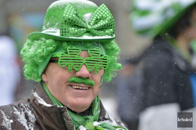 Un des participants au défilé de la St-Patrick... (Le Soleil, Yan Doublet)