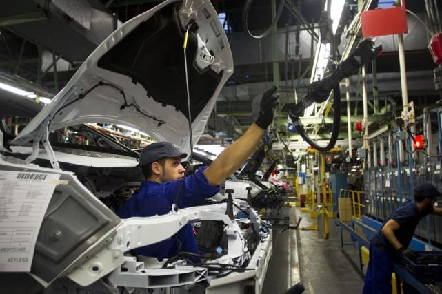 Les baisses de salaire sont un des principaux... (PHOTO ANGEL NAVARRETE, ARCHIVES BLOOMBERG)
