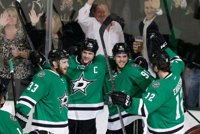 Tyler Seguin (91), des Stars de Dallas, a... (Photo LM Otero, AP)