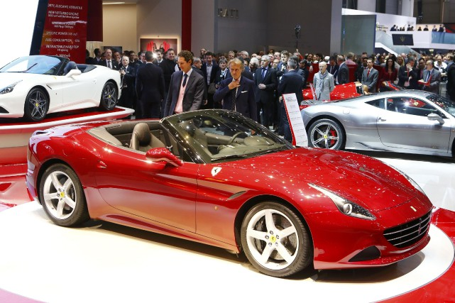 La Ferrari California T... (Photo Arnd Wiegmann, Reuters)