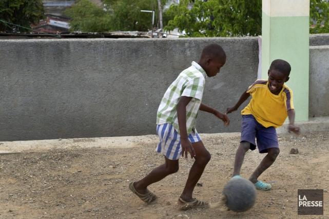 Plus d'un an après avoir commencé à offrir des forfaits en Haïti afin de faire... (PHOTO ROBERT SKINNER, LA PRESSE)