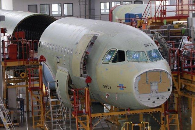 La commande comprend 43 appareils moyen-courriers A320 et... (Photo Jason Lee, Reuters)