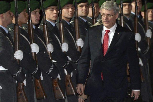 Stephen Harper à son arrivée à Berlin.... (Photo La Presse Canadienne)