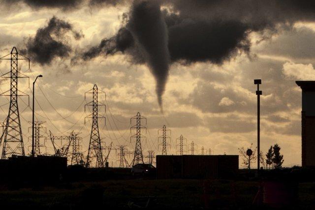 De rares tornades se sont formées, tard mercredi, dans le nord de la Californie. (Photo REUTERS)
