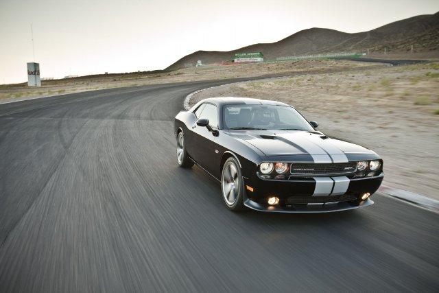 L'actuelle Dodge Challenger SRT est propulsée par un... (Photo fournie par Chrysler)