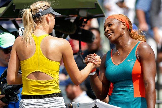 Maria Sharapova (à gauche) n'a pas battu Serena... (Photo Geoff Burke, USA Today)