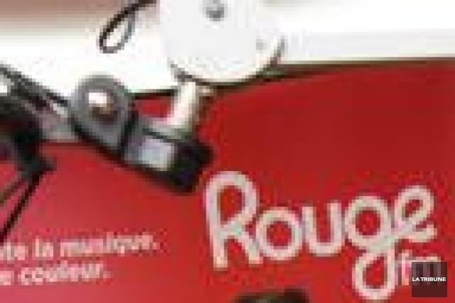 Un tribunal canadien a débouté jeudi la station de radio suisse Rouge FM qui... (Archives La Tribune, René Marquis)