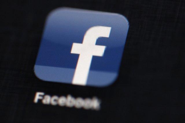 Une infirmière de l'Île-du-Prince-Édouard affirme que le réseau social Facebook... (Photo Associated Press)