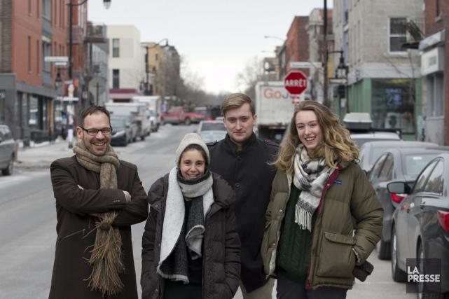 Les responsables du magazine Flaneur, Grashina Gabelmann, Fabian... (Photo: Hugo-Sébastien Aubert, La Presse)
