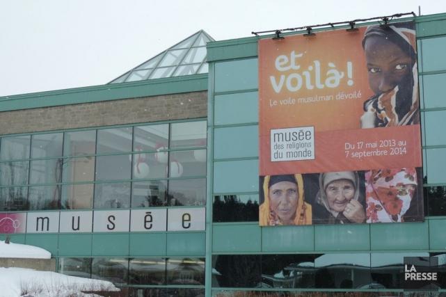 Il ne faut pas avoir froid aux yeux pour présenter une exposition sur le voile... (Photo Mario Fontaine, La Presse)
