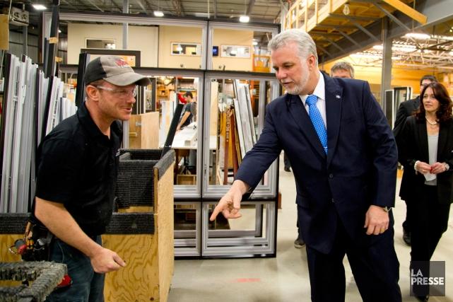 Le chef libéral Philippe Couillard a visité une... (Photo Alain Roberge, La Presse)
