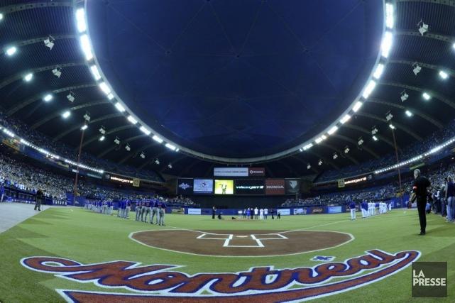 Le président des Blue Jays, Paul Beeston, a été soufflé par la réponse des... (Photo Bernard Brault, La Presse)