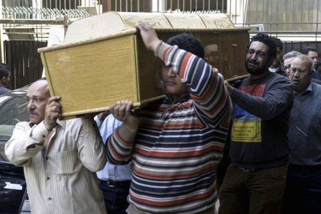 Au total, 252 policiers et 187 militaires ont... (PHOTO MOHAMED EL-SHAHED, AFP)
