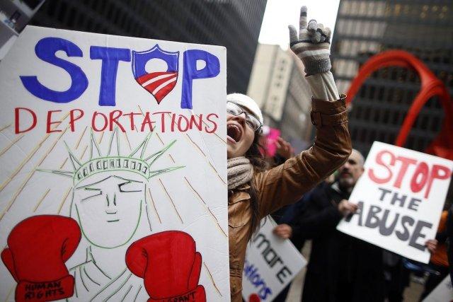 Des manifestants sont descendus dans les rues de... (Photo Jim Young, Reuters)