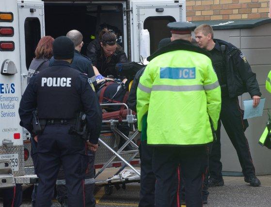 L'agent Klarenbeek a été transporté dans un centre... (Photo Victor Biro, La Presse Canadienne)