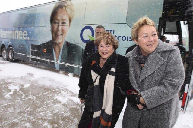 Janette Bertrand était à Laval en compagnie dePauline... (PHOTO CHRISTINNE MUSCHI, REUTERS)