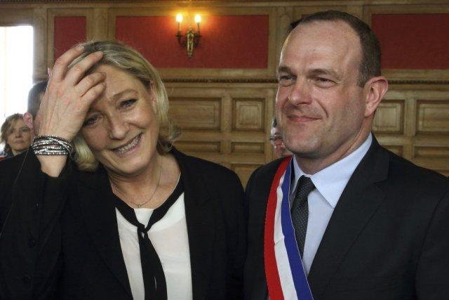 Au Front national de Marine Le Pen, l'heure... (PHOTO PASCAL ROSSIGNOL, REUTERS)