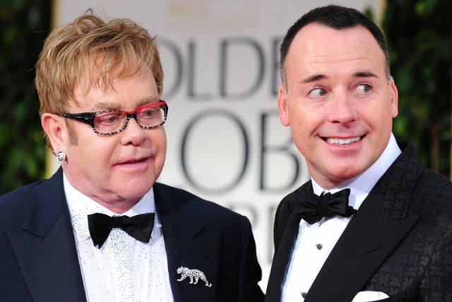 Elton John et David Furnish lors des 69e... (Photo: AFP)