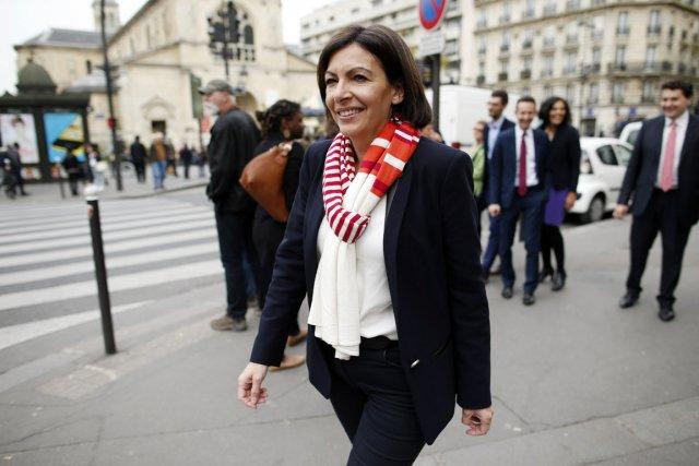 « Je suis la première femme maire de... (PHOTO BENOIT TESSIER, REUTERS)