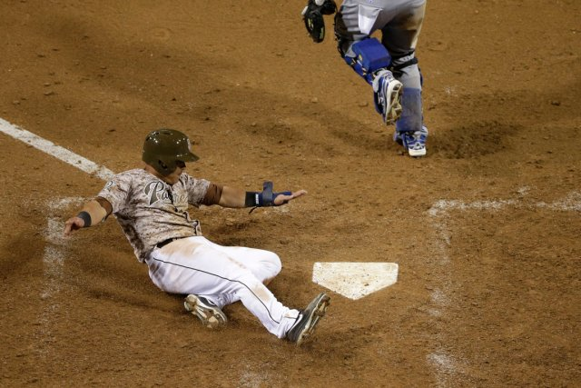 Everth Cabrera est venu marquer sur un simple... (Photo Gregory Bull, AP)