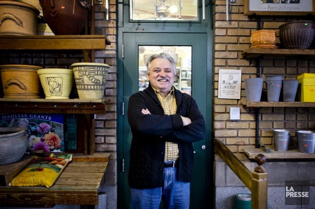 Lino Birri travaille au marché Jean-Talon depuis une... (PHOTO MARCO CAMPANOZZI, LA PRESSE)