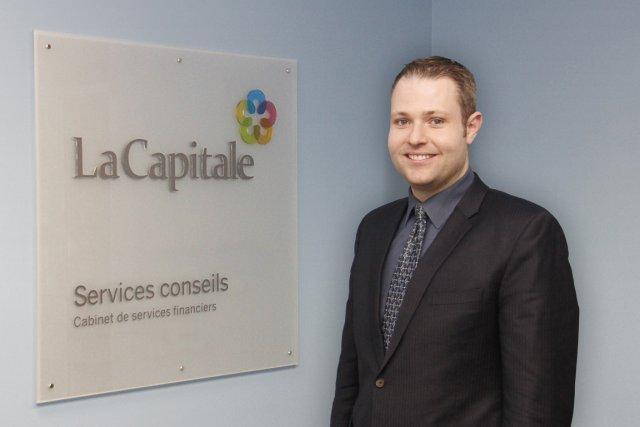 Éric Vallée est conseiller en sécurité financière en... (PHOTO FOURNIE PAR Voltige)